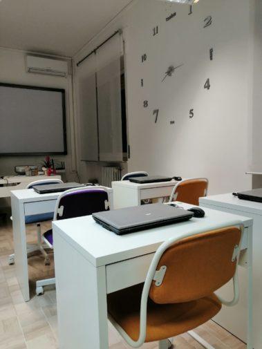 Spiken _ interni scuola _ aula certificazioni 1